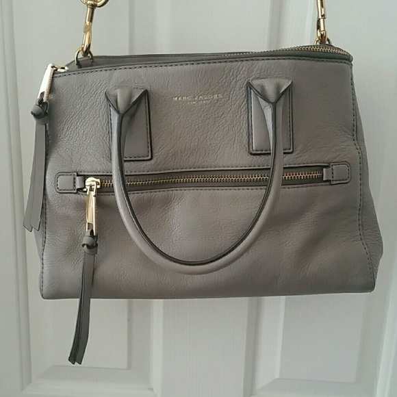 127bf55c7597 Marc Jacobs Recruit East West Tote. M 5a59200305f430fd80940c46